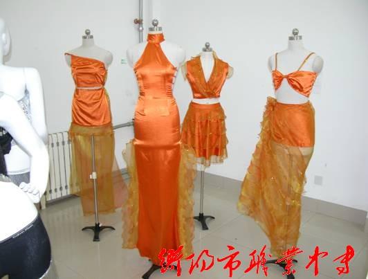 服装专业学生参加省模特大赛现场