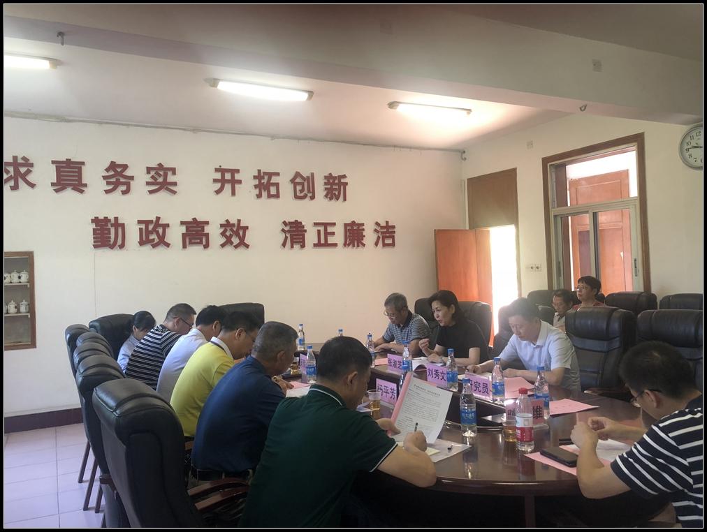 市人大深入衡阳市职业中等专业学校调研职业教育工作